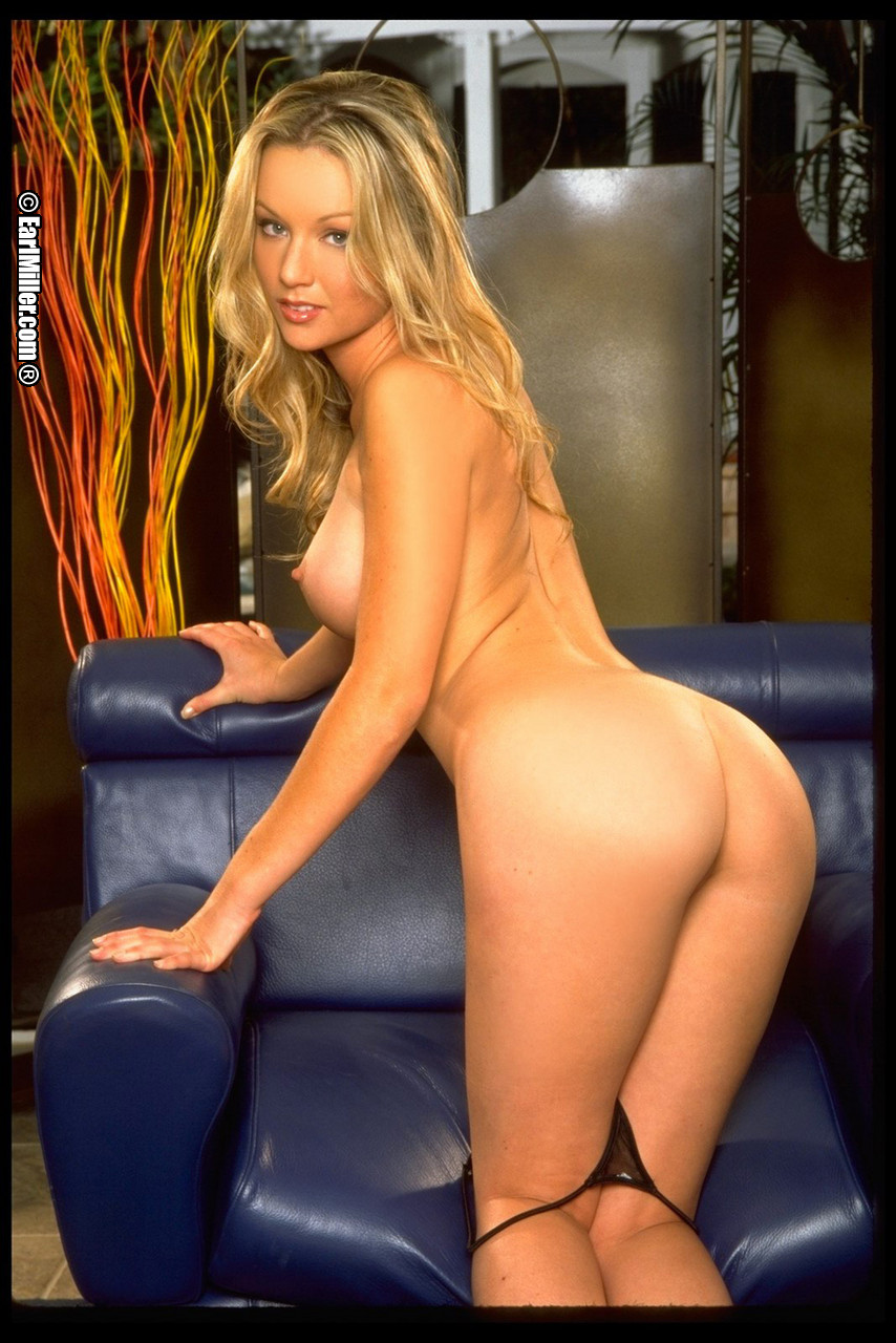 club kaydenkross wp content uploads 2012 11 Kayden Kross Flashing 0005